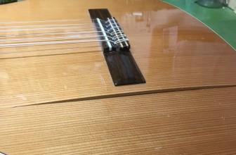 Réparation guitare classique table d'harmonie