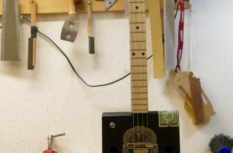 Cigar Box Guitar – 4 Cordes Patoro